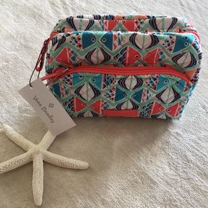 NWT Vera Bradley Medium Cosmetic in Go Fish Print
